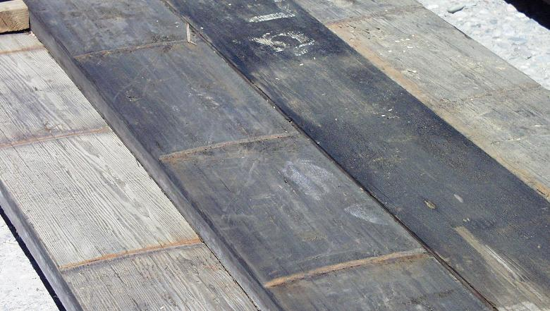 Picklewood Redwood - Weathered Lumber