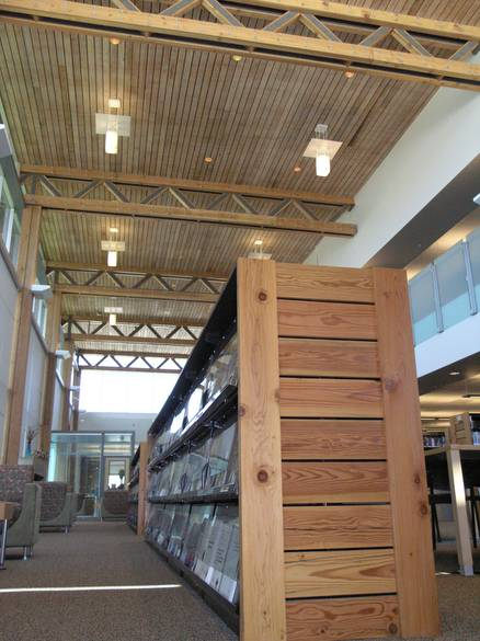 Photo 1010 twii circle sawn lumber ceiling and shelving for Twii