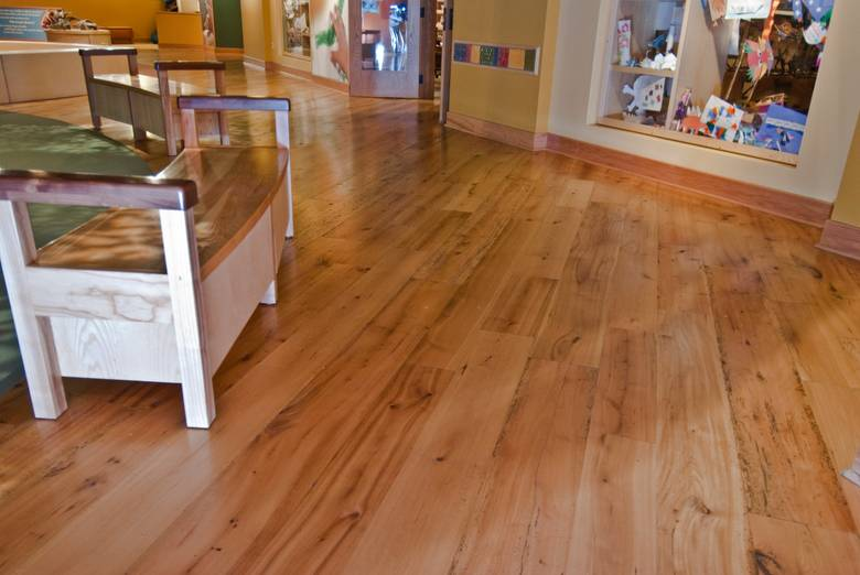 Trailblazer Mixed Hardwood Smooth Flooring / Field Museum