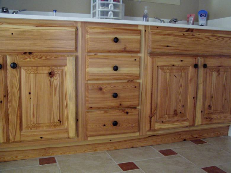 Home design pine cabinets for Pine kitchen cabinets