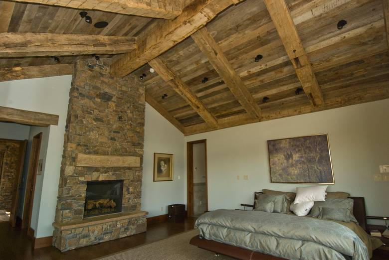 Photo 9924 Hand Hewn Timbers And Barnwood Ceiling