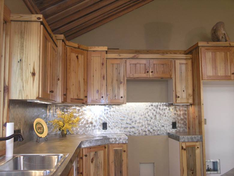Photo 3008 Southern Yellow Pine Kitchen Cabinets