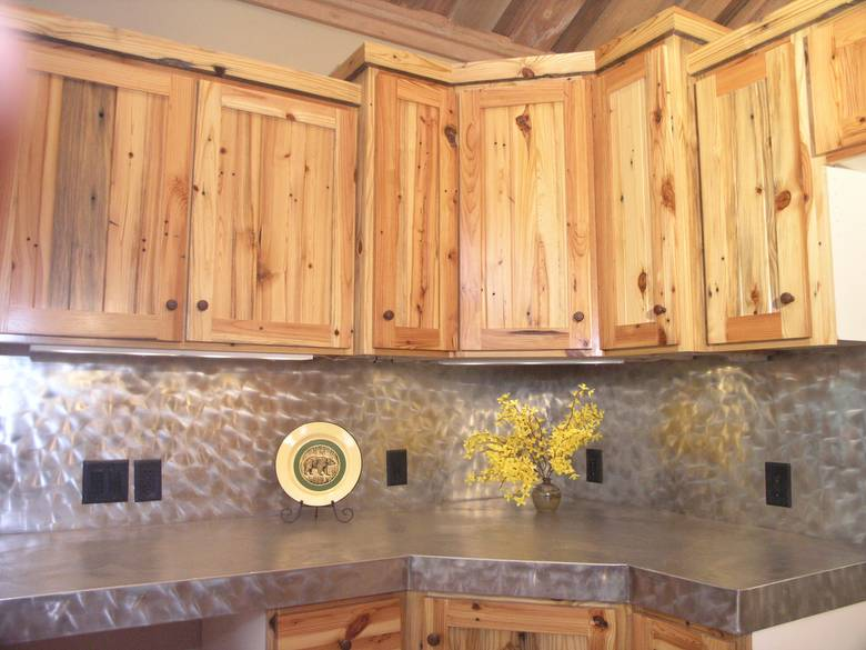 Photo 3011 Southern Yellow Pine Kitchen Cabinets