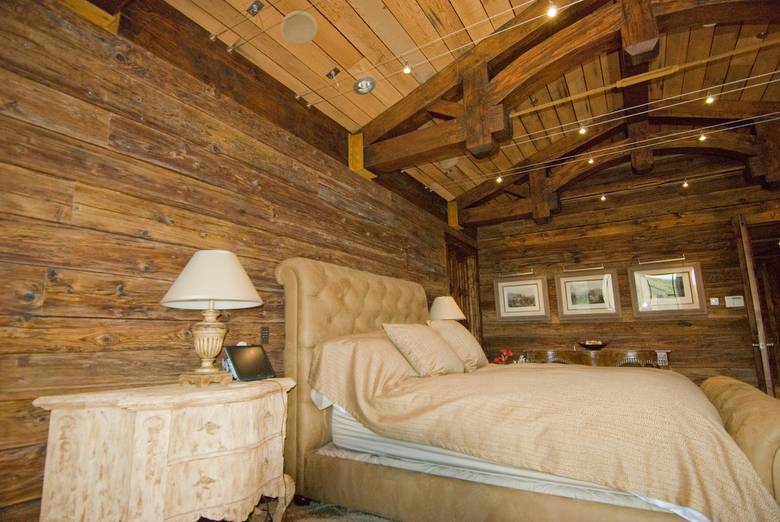 Mushroomwood Wall Paneling/Picklewood Ceiling