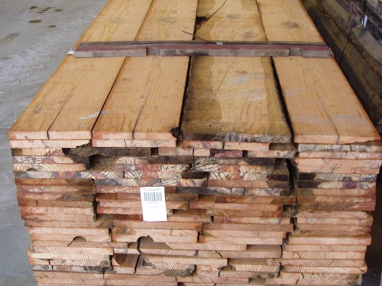 Photo antique pine band sawn lumber widths vary