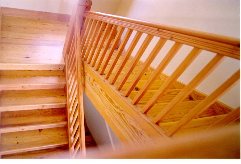 Photo #5764   Heart Pine Staircase / Reclaimed Classic Heart Pine Stair  Treads And Risers