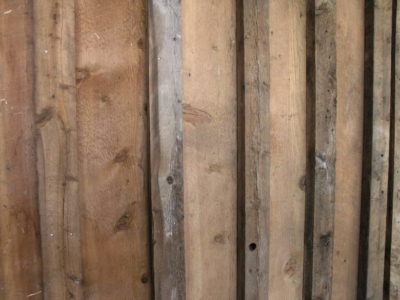Photo 6722 Barnwood Board And Bat Siding 1x10 Boards