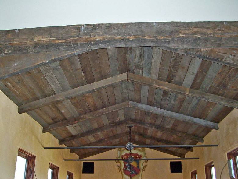 Photo 994 Weathered Timbers And Barnwood Ceiling